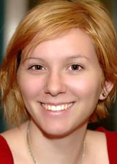 Elyssa (gwilmore) Tags: portrait beautiful smile wow d50 experiment elyssa schlotzskys afnikkor85mmf18d chercherlafemme garyfongclouddiffuser elyssahaeussler