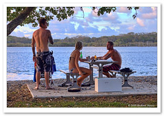 Christmas Eve Drinks-8779 (Barbara J H) Tags: river australia qld christmaseve sunshinecoast youngpeople maroochydore maroochyriver barbarjh