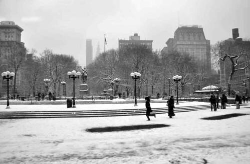 Snow: Union Square.