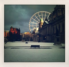 Belfast City Hall (Mr Bultitude) Tags: city ireland winter people sunlight snow cold eye wheel mobile hall afternoon january ferris belfast chilly northern bigwheel snowballs iphone shakeitphoto