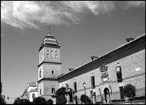 1.- Torre del viejo Hospital...