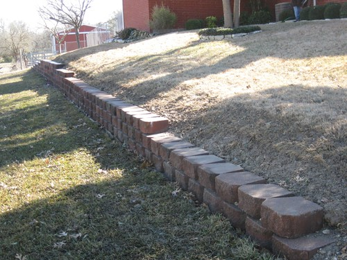 Retaining wall landscape designers