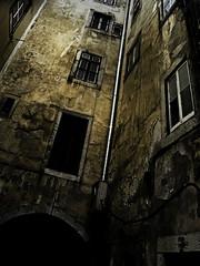 (sThaVision) Tags: abandoned portugal casa decay lisboa lisbon edificio zaragoza amarillo ruinas ghetto barrio thais abandono ilustrarportugal isthavision istharevolution
