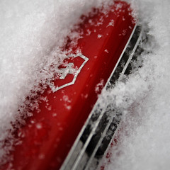 Victorinox Super Tinker (ma_ba) Tags: winter red white snow cold switzerland swiss steel knife blade knives pocket edc victorinox pocketknife penknife supertinker