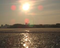 Winter in der Neustdter Bucht (surfer321meins) Tags: winter sunset ice sonnenuntergang balticsea eis distillery ostsee gegenlicht vergngungspark hansapark gefroren neustadtinholstein fahrrinne