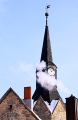 Brdens church clocktower (:Linda:) Tags: roof chimney snow clock church germany thringen village smoke shingle thuringia clocktower spire weathervane slate spitz schornstein zeit rauch uhr schiefer glockenturm wetterfahne churchoutside brden slateshingle peakish slateshingled schiefergedeckt