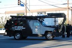 LOS ANGELES POLICE DEPARTMENT (LAPD) LENCO SWAT VEHICLE (Navymailman) Tags: rescue truck la los angeles police special and l law enforcement department tactics swat weapons bearcat lapd a losangelespolicedepartment lenco