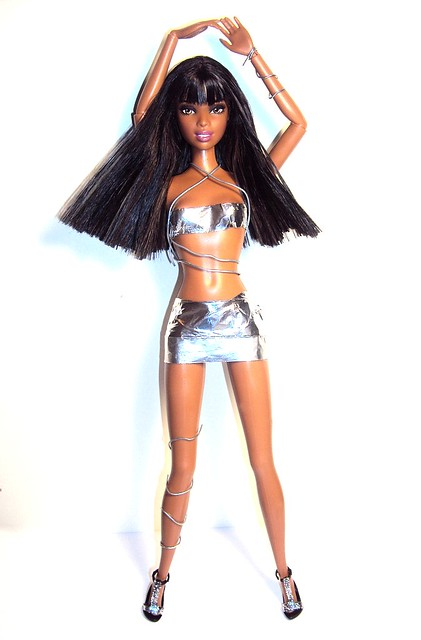 MAKEOVER:NAOMI CAMPBELL WEAVE by ANTM REJECTS