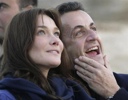 Nicolas Sarkozy and Carla Bruni photo