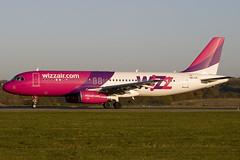 HA-LPL - 3166 - Wizzair - Luton - 071109 - Steven Gray - IMG_4921