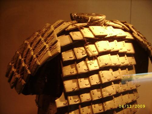 石头做的盔甲