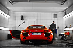Audi R8 (Willem Rodenburg) Tags: red nikon belgium carwash wash knokke 1855 audi bentley dealership willem r8 heist knokkeheist d40 rodenburg