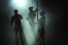 [フリー画像] [戦争写真] [兵士/ソルジャー] [太陽光線] [アメリカ軍兵士] [アフガニスタン風景]      [フリー素材]