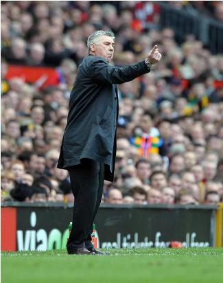 Ancelotti-directing-chelsea-players-against-manchester-united