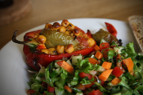 Roasted red peppers with chickpeas and salad