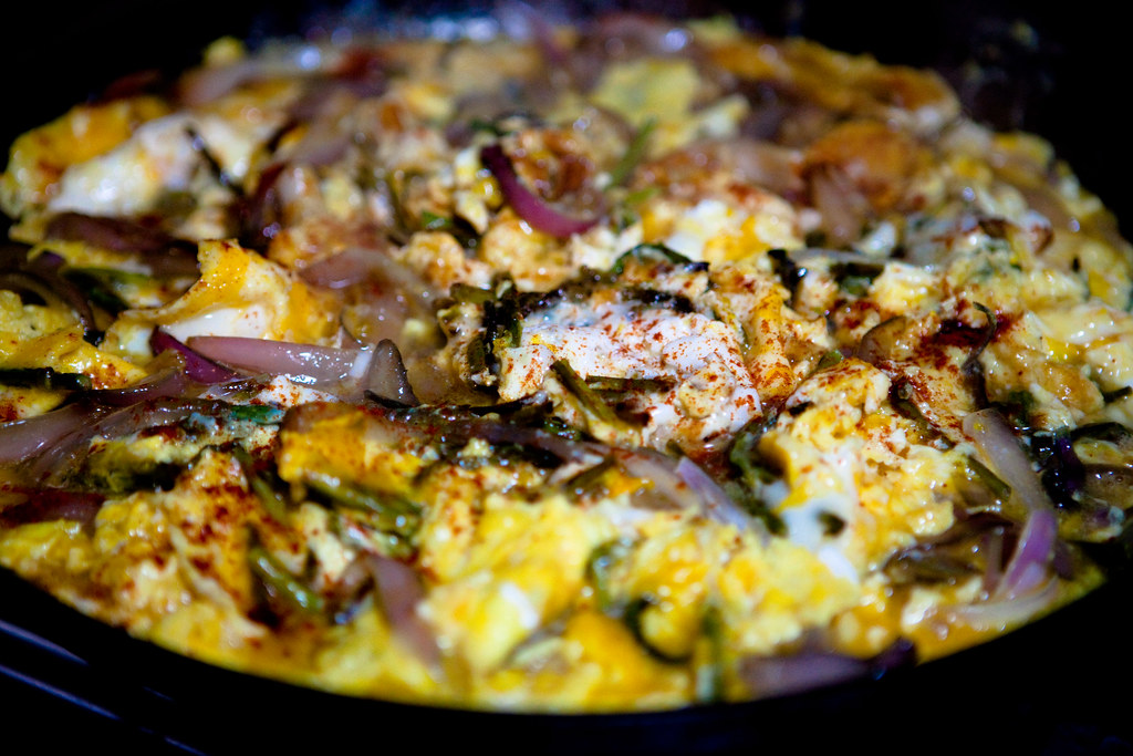 Wild asparagus & sweet onion omlette!