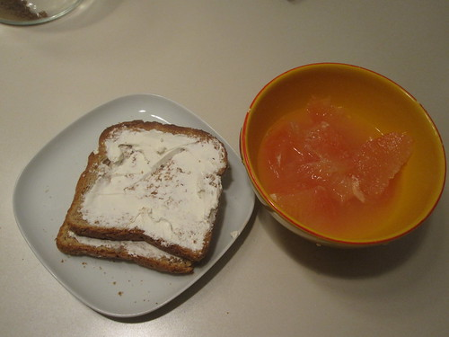Toasts with cream cheese, grapefruit