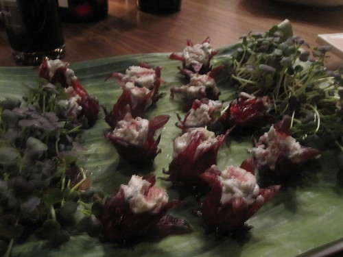 Stuffed hibiscus flowers