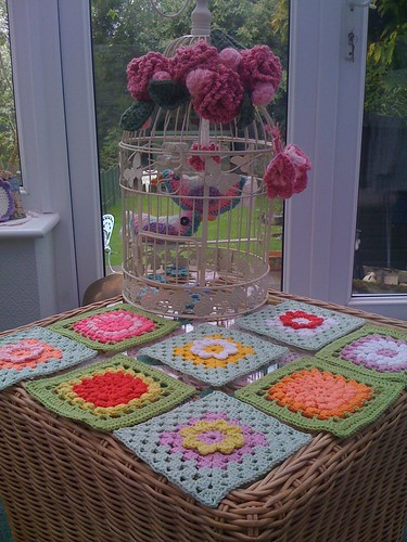 'Flower Squares!' Now I wonder where these have come from? Of course it's Karin in the Netherlands!  Ladies they are more beautiful in the 'flesh!'. Thank you Karin!