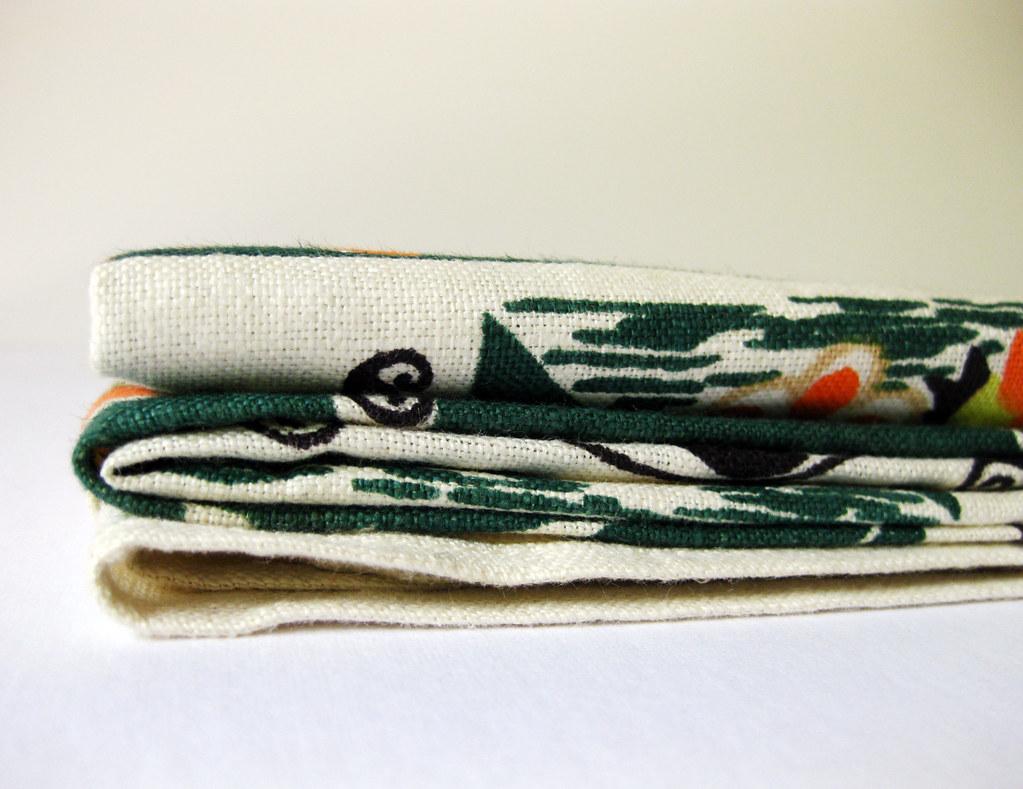 Vintage Silkscreen Hardy Craft Table Linen