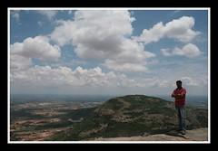 Musaafir hoon yaron ......Hawaon Ke Paron Par Mera Aashiyana @ NANDI HILLS, Bangalore (Puru!) Tags: india canon bangalore hills maharashtra nandi dslr pune bengaluru 400d puru2k2