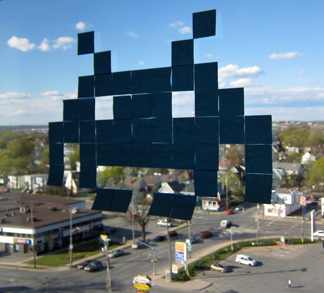 Space Invaders Post-It pixel art