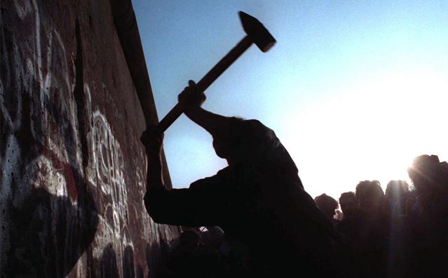 柏林墙倒塌照片17