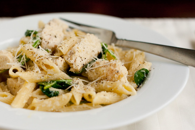 Lemony Penne with Chicken and Arugula