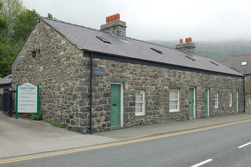 New York Cottages Penmaenmawr May 10