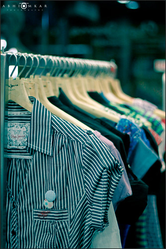 pepe jeans pepejeans london bangalore india cloths cloth casuals casual summer collection showroom bokeh hangers hanger wardrobe