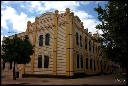 "Antigua fabrica ""La Moldurera"" (Actual sede del IFA)"