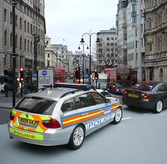 1/18 Code 3 Met Police BMW 330D Touring Area Car (alan215067code3models) Tags: 3 london car lights code estate traffic working police led stop cop area bmw met emergency touring pursuit strobe response 118 999 whelen 330d