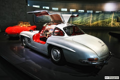 Mercedes-Benz 300 SL Coupe 1955 Gullwing (rbpdesigner) Tags: building slr cars 1955 tourism car sport architecture race canon germany deutschland mercedes europa europe stuttgart culture voiture sl grandprix coche mercedesbenz architektur carro 5d autos 300 turismo allemagne  esporte corrida coupe motorracing cultura coches gp alemanha daimler autounion gullwing dreammachine bundesrepublikdeutschland badenwrttemberg sonhodeconsumo bundesland  llens canoneos5d mercedesbenzmuseum mercedesmuseum  canonllens gaisburg silverarrows mercedesbenz300sl silberpfeile canonef1635mmf28l  lentel canonef1635mmf28liiusm estugarda velhomundo mercedesbenz300slcoupe  asadegaivota  bundeslandbadenwrttemberg velhocontinente museumercedes mquinadossonhos repblicafederaldaalemanha autouniongrandprixmotorracing mercedesbenz300slcoupe1955gullwing