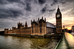 Clichè (sgrazied) Tags: uk light sunset sky london westminster thames tramonto bigben rimini canoneos20d cielo londra hdr inghilterra romagna clichè housesofparlament sgrazied interphoto parlamentoinglese