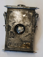 Girdlebox (Card Case) 19 (the justified sinner) Tags: silver skeleton skull belt iron acrylic steel jewelry jewellery chain engraving amethyst toothbrush ruby quartz opal magnet businesscard gryphon purcell engraved tourmaline greenman garnet enamel haematite solinvictus smallwork didoandaeneas boulderopal justifiedsinner wheniamlaidinearth girdlebox