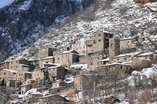 villa collemandina con nieve