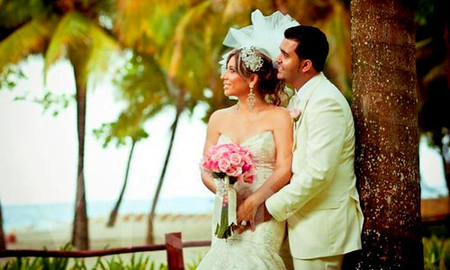 Bridal Styles real Bride Sadi & Felix!