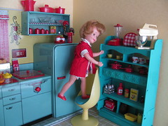 Need the blender! (Retro Mama69) Tags: kitchen vintage puppy table miniature chairs retro marx shelves remcodoll roombox rements vintagetintoy miniaturekitchen prettymaid toydiorama pennybritedoll tuttidoll kitchendiorama metalkitchentoy 1950ss yellowandturquoisekitchen