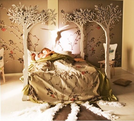 苹果树下的架子床