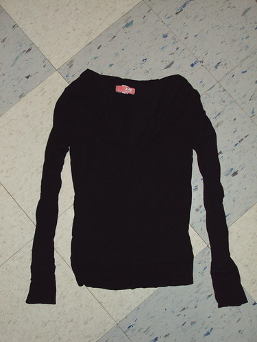 Longsleeved Lux Scoop Neck Top