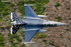 "Belgian Air Force F-16 OCU F-16B FB-24 ""Explore"" at #25 (Nigel Blake, 17 MILLION views! Many thanks!) Tags: belgian air force f16 operational conversion unit f16b fb24 cad west cadair pass low level lowfly nigelblakephotography nigelblake 25"