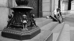 Vendedor ambulante - Lima (jimmynilton) Tags: vendedor relojes antiguos centro historico lima monumentos callejeando calles bn bw peru street ambulante