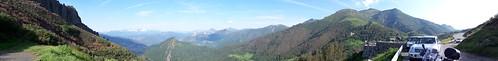 2017-06 Picos en Pyreneeën panoramafoto bij Mirador del Corzo - Puerto de San Glorio (Guus)