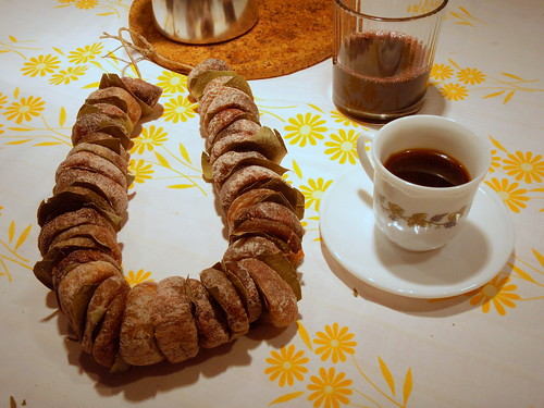 Dried figs, turkish coffee and red wine