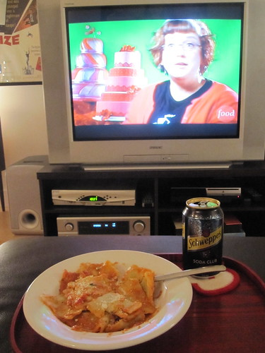 Ravioli and a club soda at home