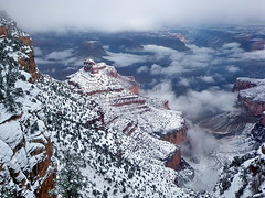 Snow abating & fog lifting - Bright Angel Trail - Grand Canyon (Al_HikesAZ) Tags: park camping winter arizona snow ice nationalpark day hiking grandcanyon nieve grand paisaje canyon hike trail national backpacking backcountry invierno hielo southrim mochila eeuu  grandcanyonnationalpark brightangeltrail brightangel indiangarden grancaon gcnp grancan  azwexplore sendirismo alhikesaz   gc2009 belowtherim azwwinter