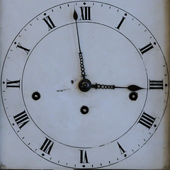 clock (Leo Reynolds) Tags: clock canon eos time f45 squaredcircle iso1600 30d 180mm 005sec hpexif sqset044 xleol30x xclockx