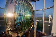 Coucher de soleil dans la lentille de St Mathieu (BreizHorizons) Tags: sunset lighthouse bretagne fresnel britanny phare coucherdesoleil fresnellens finistère finistere saintmathieu plougonvelin iroise lentilledefresnel