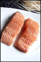 4253606048 a0f024c39f m Laksa asiatique de saumon   Soupe de boulettes de poulet épicées