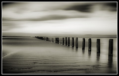 Groynes on Berrow Beach (Ben Locke (Ben909)) Tags: sea beach coast somerset groynes brean greatphotographers berrow